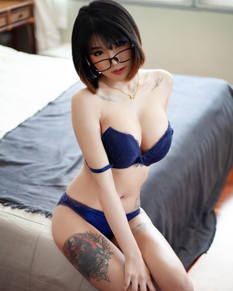 Pae Siraporn Sexy blue lingerie