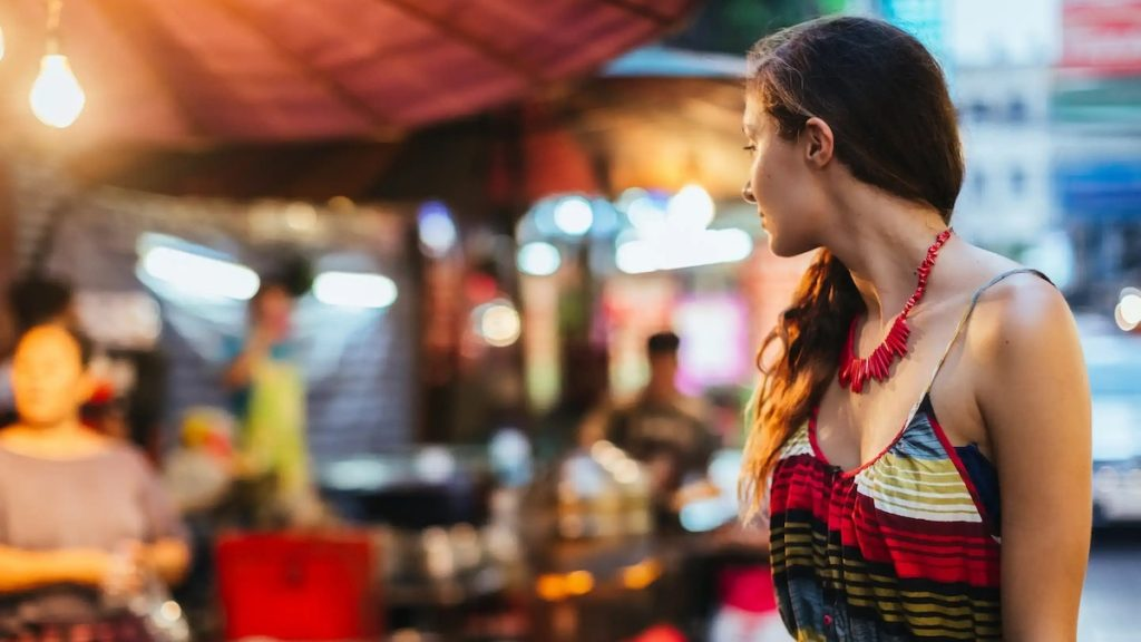 dating in Thailand with Tinder