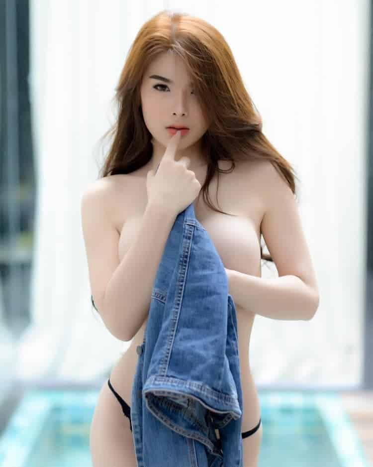 Ilada Sikua topless photo